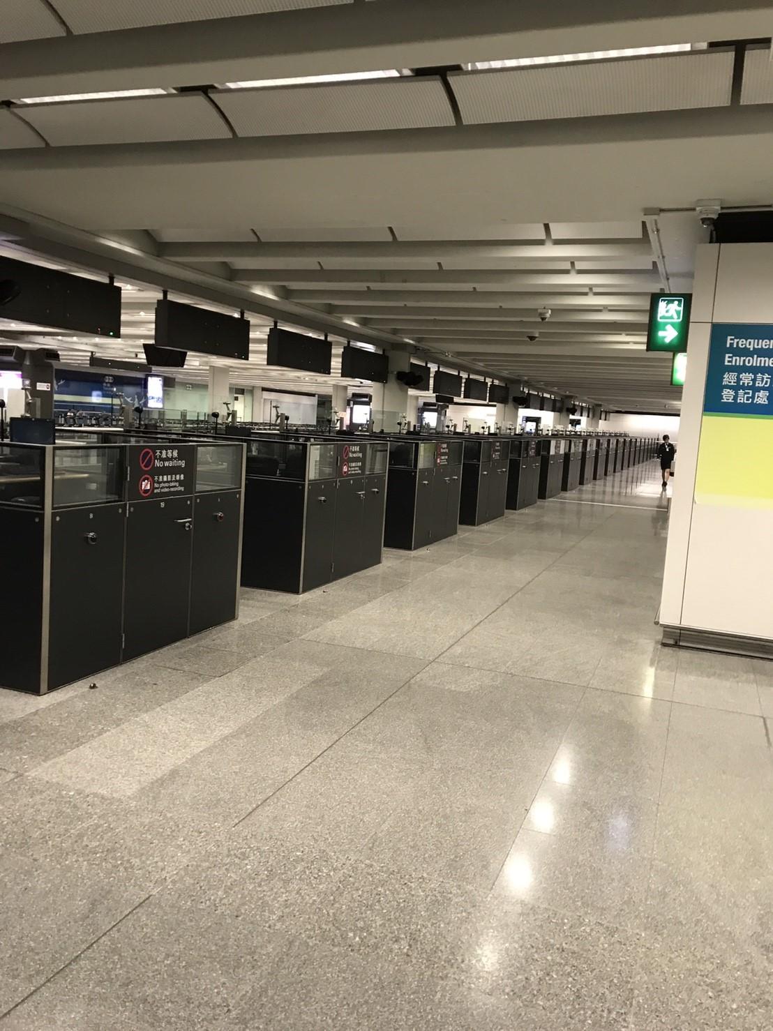 朝3時の香港空港